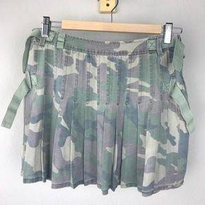 Da-Nang Green Camo Buckle Strap Pleated Mini Skirt